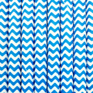 Paper straws – White with blue waves - decomazing.com